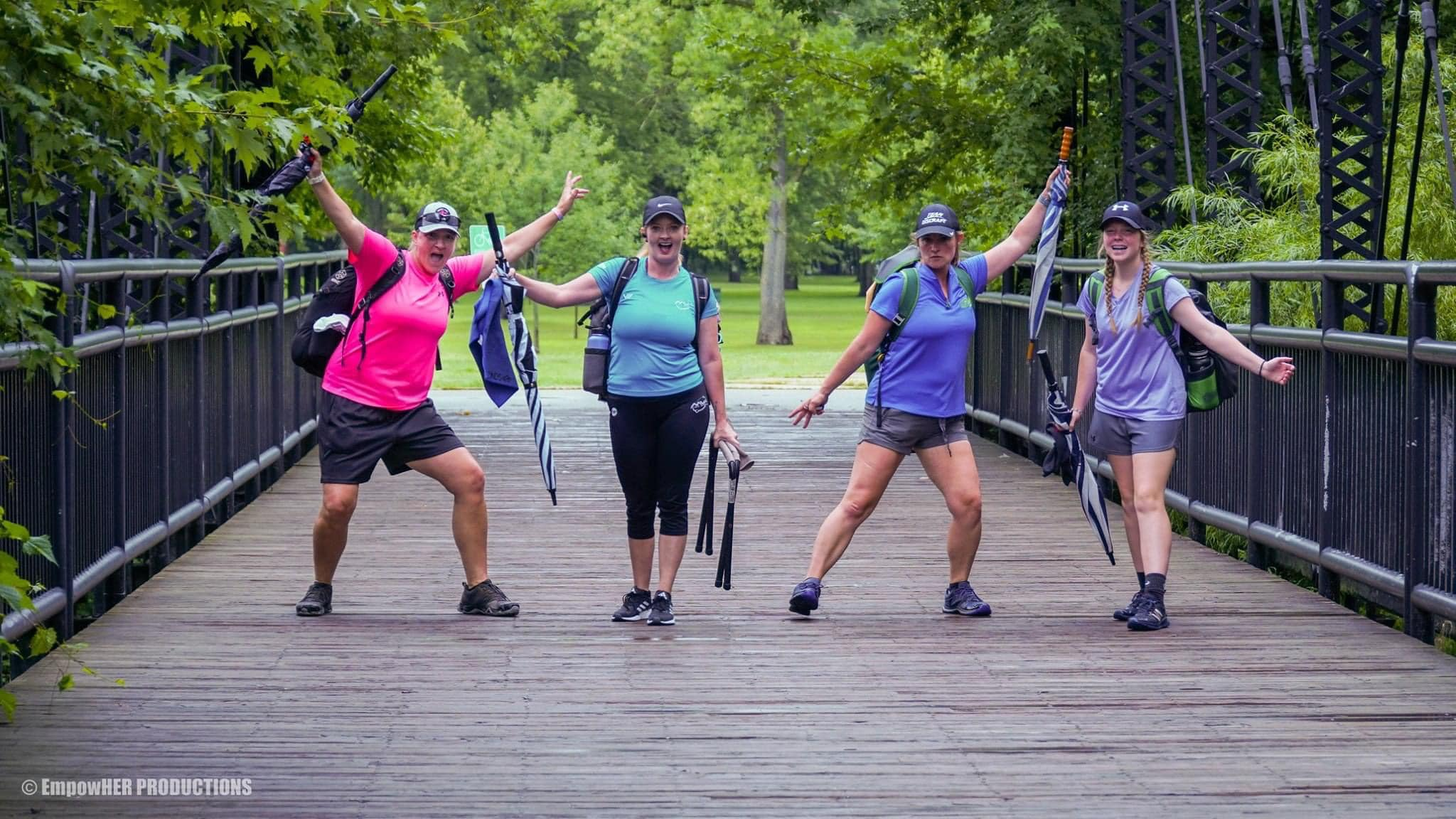 Andrea Eaton, professional disc golfer, with friends